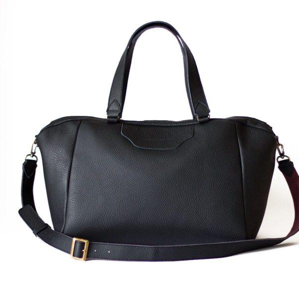 Фактурная матовая черная сумка Amela