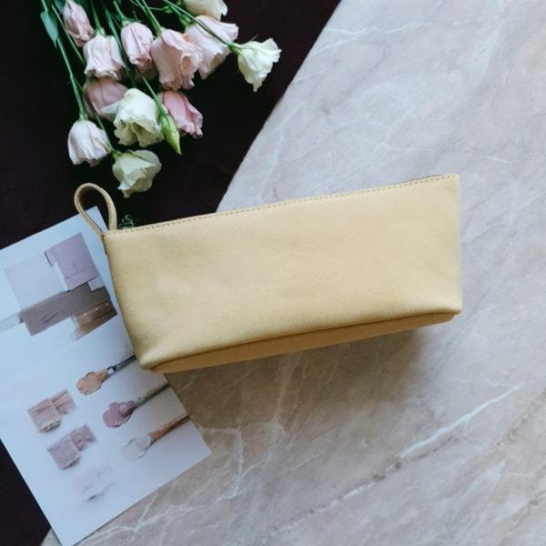 Косметичка Verdy светло-желтая замша с цветочной подкладкой