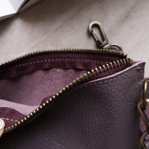 """Косметичка в сумку на карабинах зернистая кожа """"пыльный фиолет"""""""