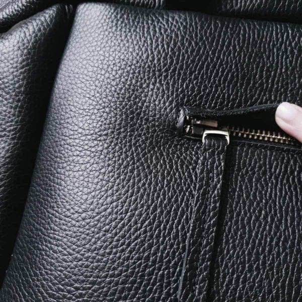 Сумка Amela черная зернистая кожа с замшевой вставкой на передней стенке