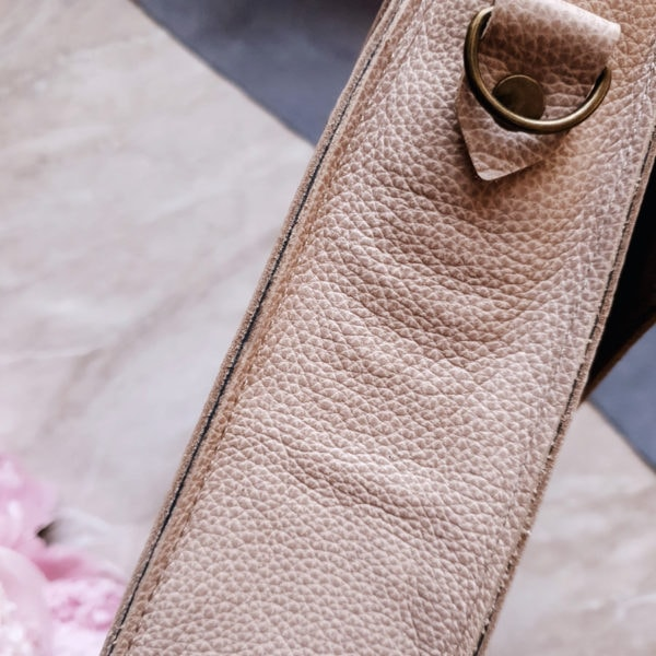 Lita бежево-розовая зернистая кожа